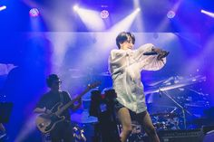 まさかの満島ひかり降臨!苗場が祝祭空間と化したMONDO GROSSOの『フジロック』ライブを詳細レポ – 音楽WEBメディア M-ON! MUSIC(エムオンミュージック) Beautiful Women, Japanese, Actors, Concert, Music, Woman, Musica, Musik, Japanese Language