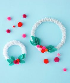Mini Wreaths Wrap pipe cleaners around an embroidery hoop and embellish with pom poms and felt leaves. Homemade Christmas Crafts, Christmas Crafts For Kids, Simple Christmas, Holiday Crafts, Kids Crafts, Christmas Holidays, Christmas Gifts, Christmas Decorations, Christmas Ornaments
