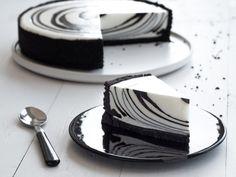 Sernik Zebra z Czarnym Kakao Intense Dr. Cheesecake Recipes, Dessert Recipes, Crazy Cakes, Food Platters, Love Eat, Polish Recipes, Savoury Cake, Food Cakes, Delicious Desserts