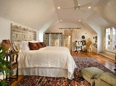 Schlafzimmer Design weiss dachschrege