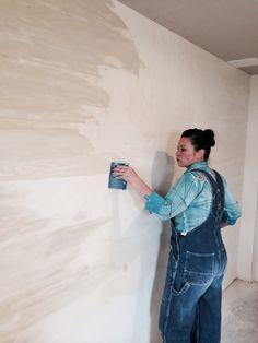 venetian plaster Lime Paint, Decorative Plaster, Tadelakt, Photographic Studio, Colour Inspiration, Cob, Paint Ideas, Textured Walls, Venetian