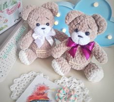 Get free amigurumi pattern for this cute little teddy bear. To create a plush bear you will need mm crochet hook and Himalaya Dolphin Baby yarn. Crochet Teddy, Cute Crochet, Crochet Dolls, Crochet Baby, Crochet 101, Beautiful Crochet, Crochet Ideas, Crochet Bear Patterns, Crochet Animals