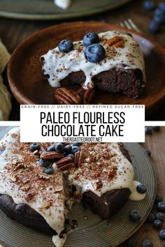 7-Ingredient Paleo Flourless Chocolate Cake - dairy-free, grain-free, refined sugar-free, super rich and decadent! #grainfree #glutenfree #paleo #dairyfree #chocolatecake #flourless #healthy #dessert High Protein Vegan Recipes, Healthy Dessert Recipes, Easy Desserts, Flourless Chocolate Cakes, Star Food, Dairy Free, Grain Free, Cheap Meals, Popular Recipes