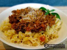 Unser liebstes Rezept für Spaghetti Bolognese... oder in unserem heutigen Fall Hörnchen Bolognese. ;-) Spaghetti Bolognese, Macaroni And Cheese, Ethnic Recipes, Food, Mac Cheese, Meal, Essen, Hoods, Mac And Cheese