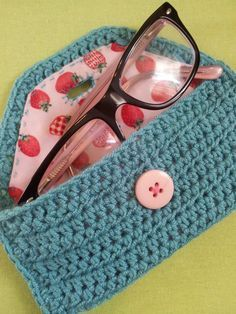 Cute Hand Crochet Glasses Case, Case for Crochet Hooks, Make-up Bag - Blue With Pink Button and Strawberry Lining. No pattern, but with a little patience, could be replicated. Love Crochet, Crochet Gifts, Hand Crochet, Crochet Hooks, Knit Crochet, Crochet Pouch, Yarn Projects, Crochet Projects, Knooking