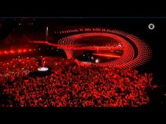 AMAZING !!! :-O 2015 Eurovision Song Contest: Grand Final Opening with Conchita Wurst