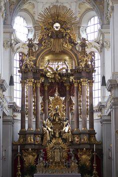 Saint Peter's church. Munich, Germany