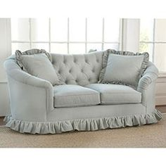 Luv this tiny couch for a tiny cottage!