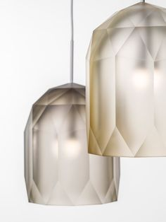 Polygons by Lasvit in the Rossana Orlandi Gallery at Milan 2015 Lampe design Luxury Lighting, Interior Lighting, Home Lighting, Modern Lighting, Lighting Design, Pendant Lighting, Lighting Ideas, Pendant Lamps, Light Fittings