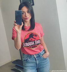 jurassic park tee Rock Chick Style, Statement Tees, Street Style Trends, Boyfriend T Shirt, Jurassic Park, Style Guides, Retro Fashion, Casual Shirts, Winter Outfits