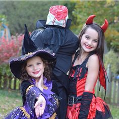 Hayley-the witch, Annie-the devil, Caleb-headless horseman Bratayley Hayley, Caleb Logan Bratayley, Cute Halloween Costumes, Halloween Dress, Happy Halloween, Julianna Grace Leblanc, Hayley Leblanc, Annie Grace, Annie Lablanc