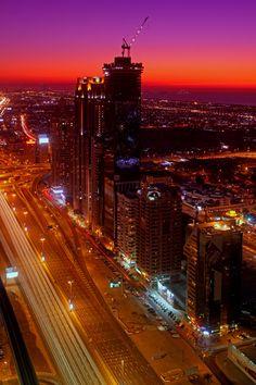 Metropolitan Sunset, Dubai, UAE #travel #vacation #rentals www.goldsuites.com