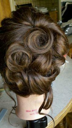 RETRO Updo. hair rosettes