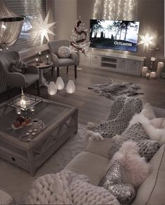 Comfortable and Cozy Living Rooms Ideas You Must Check! - Interior Remodel Comfortable and Cozy Living Rooms Ideas You Must Check! Living Room Themes, Cozy Living Rooms, Apartment Living, Interior Design Living Room, Living Room Designs, Cozy Apartment, Rustic Apartment, Apartment Ideas, Interior Livingroom