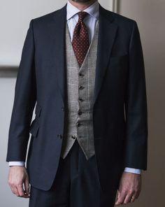 navy jacket odd waistcoat - Google zoeken Navy Jacket, Suit Jacket, Vest, Three Piece Suit, Wedding Looks, Fasion, Trousers, Suits, Womens Fashion