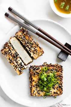 Move over bland tofu! This crispy Sesame Crusted Tofu is packed with so much flavor, you'll never believe it's tofu! Tofu Recipes, Asian Recipes, Vegetarian Recipes, Cooking Recipes, Healthy Recipes, Vegetarian Day, Ethnic Recipes, Hamburger Au Tofu, Move Over