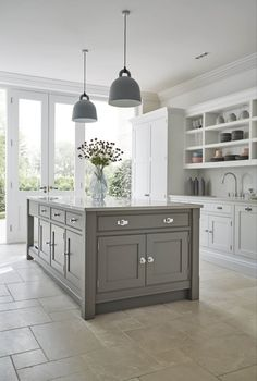 Grey shaker kitchen featuring the latest cutting-edge Miele appliances. Statement island and hidden storage solutions in this modern shaker kitchen. Modern Shaker Kitchen, Shaker Style Kitchen Cabinets, Classic Kitchen, Shaker Style Kitchens, Kitchen Cabinet Styles, Farmhouse Style Kitchen, Modern Farmhouse Kitchens, Home Decor Kitchen, Country Kitchen