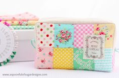 Tutorial + Free Sewing Pattern, DIY, patchwork zipper bag, make-up bag, travel bag, easy sewing projects