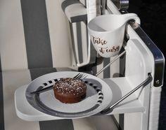 Glutenfreie Schokosouffles und cooler Tassenplott http://ganzich-nadelstich.de/rezept-schokosouffle-mit-vinyl-verschoenerte-tasse/#more-2136