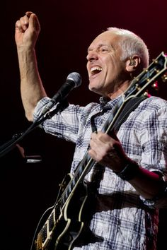 Peter Frampton Gets Rearended By Texting Woman - Starpulse.com
