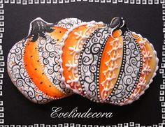 Lacy Halloween pumpkin cookies by Evelindecora posted at Julia Usher's Cookie Connection