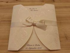 Hochzeitseinladung, Ivory mit Satinschleife von Villa Zauberbaum