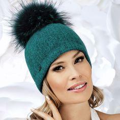 a82e3c20e0d For lovers of the pom pom hat
