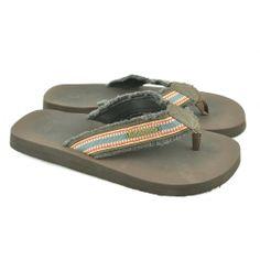 Flip flops planas de entrededo fabricadas con materiales de goma y corte de tejido con detalles de la marca GIOSEPPO.
