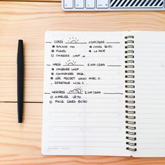 Bullet journal, le système d'organisation qui fait fureur! Bullet Journal En Français, Bullet Journal Layout, Bujo, Sketch Notes, Brush Lettering, Writing, How To Plan, Dit, Studying