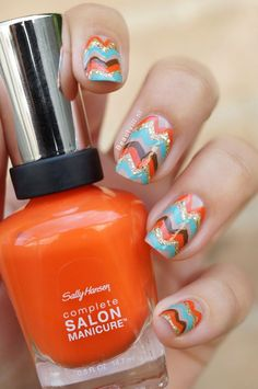 Summer Chevron ♥ Love these nails