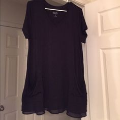 Very pretty top NWOT size LP Pretty tunic top with chiffon layers on bottom ! I lost some weight and never got to wear ! LOGO Tops Tunics