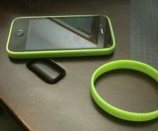 Turn a rubber wristband into an iPhone 4 bumper. How simple and easy is this?
