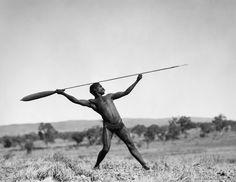 E.O. Hoppé - Aboriginal spear thrower, Central Australia, 1930 Aboriginal Man, Aboriginal History, Aboriginal Culture, Aboriginal People, Spear Thrower, Australian Aboriginals, Vintage Safari, Primitive Survival, Indigenous Art