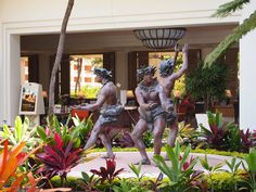 Sculpture at the entrance to The Grand Wailea