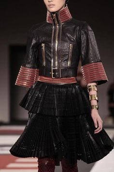 Alexander McQueen Ready To Wear Spring Summer 2014 Paris - NOWFASHION