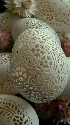 Carved eggshells by Beth Ann Magnuson Candy Crafts, Egg Crafts, Arts And Crafts, Egg Shell Art, Carved Eggs, Egg Designs, Egg Art, Egg Decorating, Egg Shells