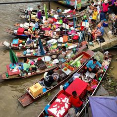 ตลาดน้ำอัมพวา (Amphawa Floating Market) in อัมพวา, จังหวัดสมุทรสงคราม