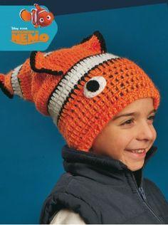 Gorro Nemo #Crochet descarga el paso a paso en www.eviadigital.com #patron #ficha Crochet Toys Patterns, Stuffed Toys Patterns, Crochet Dolls, Crochet Baby, Kids Hats, Children Hats, Cool Hats, Baby Hats, Headbands