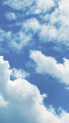 Blue Wallpaper Phone, Clouds Wallpaper Iphone, Blue Sky Wallpaper, Cloud Wallpaper, Blue Wallpapers, Aesthetic Iphone Wallpaper, Blue Backgrounds, Aesthetic Wallpapers, Wallpaper Backgrounds