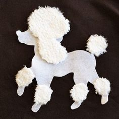 Making your own poodle skirt, whether for a sock hop or a nostalgic Halloween costume, is something you can do without the use of a needle and thread. Kids Poodle Skirt, Poodle Skirt Pattern, Poodle Skirt Costume, Poodle Dress, 50s Costume, Wolf Costume, Sewing Basics, Sewing For Beginners, Sewing Hacks