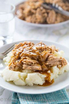 Slow Cooker Pork Roast - crock pot season is here, and it is time for pure comfort food! Super easy pork roast for any night of the week. -good but not super flavorful- Slow Cooker Pork Roast, Pork Roast Recipes, Crock Pot Slow Cooker, Crock Pot Cooking, Slow Cooker Recipes, Crockpot Recipes, Cooking Recipes, Dump Recipes, Roast Brisket