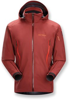 The stormproof Men's Arc'teryx Stingray jacket, designed for in-area ski laps, has Gore-Tex® Soft Shell fabric to keep you dry in all conditions.