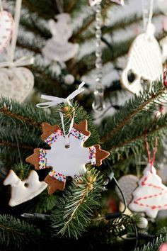 Pierniczki na choinkę – Kuchnia w formie Christmas Ornaments, Holiday Decor, Party, Home Decor, Decoration Home, Room Decor, Christmas Jewelry, Parties, Christmas Decorations