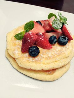グルテンフリー☆ふわふわ米粉パンケーキ Healthy Baking, Pastries, Pancakes, Menu, Bread, Breakfast, Desserts, Recipes, Food