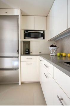 Discovered the best Backsplash kitchen design ideas All You Need To Know 838 Kitchen Backsplash, Kitchen Cabinets, Kitchen Appliances, Kitchen Ideas, Kitchen Supplies, Kitchen Decor, Modern Kitchen Design, Layout, Idea Store