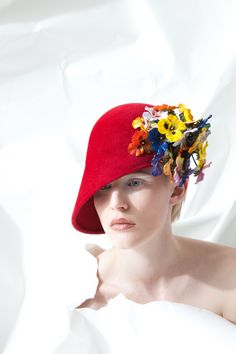 Philip Treacy AW15, OC 965 http://www.philiptreacy.co.uk/collection/OC-965