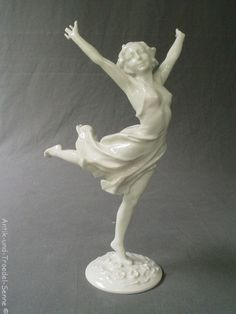 HUTSCHENREUTHER Kunstabteilung KARL TUTTER schöne alte Porzellan-Figur Tänzerin