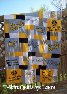 T-Shirt Quilt - for my VBS shirts but do it as a lap quilt (see Laura& page). Quilting Projects, Quilting Designs, Sewing Projects, Sewing Crafts, Yarn Crafts, Fabric Crafts, Patch Quilt, Quilt Blocks, Jersey Quilt