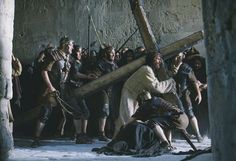 Still of Jim Caviezel in The Passion of the Christ
