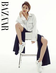 Go Joon-hee looks chic for Harper& Bazaar Fashion Tv, Fashion Shoot, Editorial Fashion, Korean Fashion, Model Poses Photography, Fashion Photography, Female Pose Reference, Pose Reference Photo, Looks Chic
